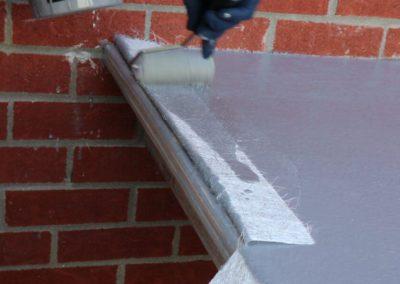 Appliquer de la résine sur la fibre de verre - Plasto
